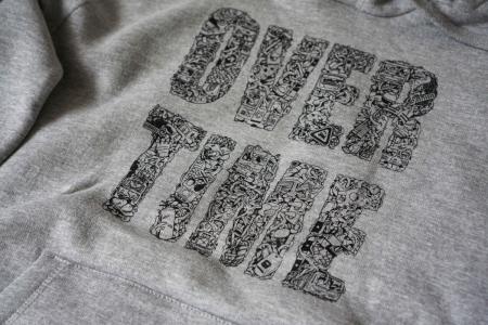 Mikina OVERTIME Unisex - Design by Yudoe